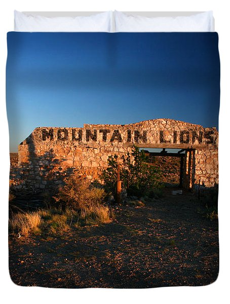 Duvet Cover featuring the photograph Mountain Lions At Two Guns by Lon Casler Bixby