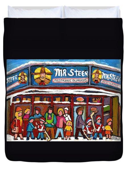 Mr Steer Restaurant Montreal Duvet Cover by Carole Spandau