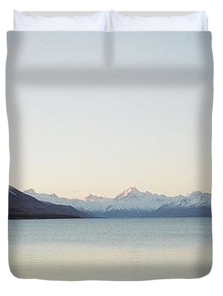 Mt Cook From Lake Pukaki Duvet Cover by Peter Mooyman