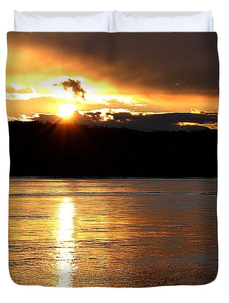 Duvet Cover featuring the photograph Nebraska Sunset by Elizabeth Winter