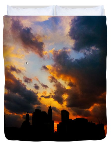 New York City Skyline At Sunset Under Clouds Duvet Cover