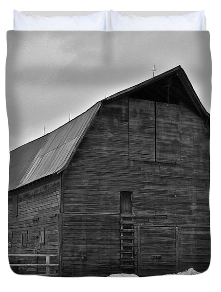 Duvet Cover featuring the photograph Noble Barn by Eric Tressler