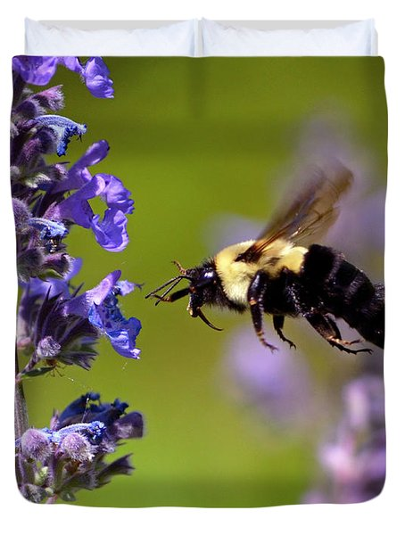 Non Stop Flight To Pollination Duvet Cover