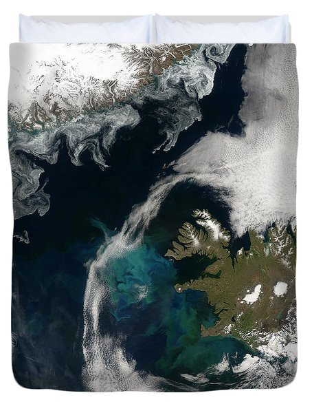 North Atlantic Bloom Duvet Cover by Science Source