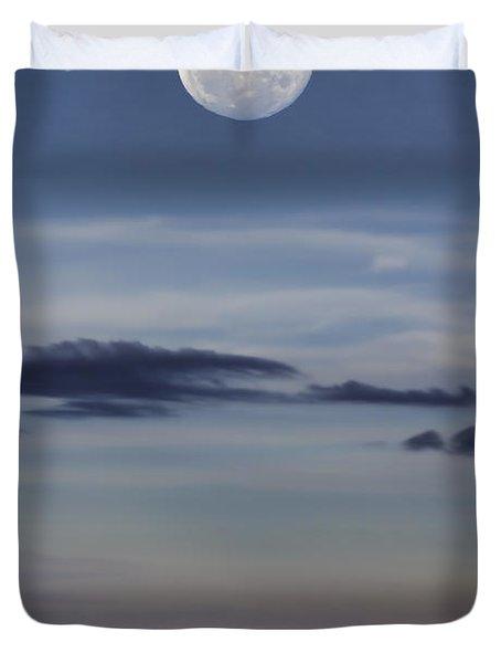 Ocean Moon Duvet Cover by Douglas Barnard