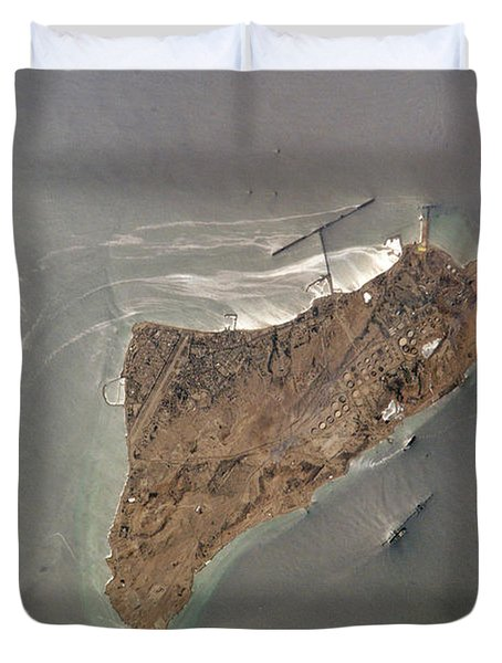 Oil Port, Iran Duvet Cover by NASA / Science Source