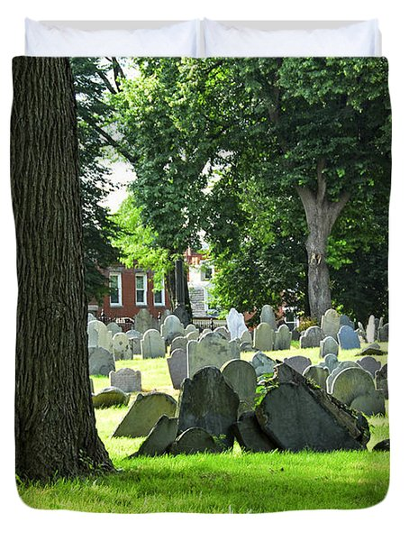 Old Cemetery In Boston Duvet Cover by Elena Elisseeva