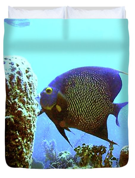 On The Reef Duvet Cover by Barry Jones