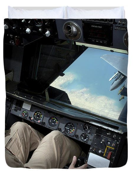 Operator Refuels An F-16 Fighting Duvet Cover by Stocktrek Images