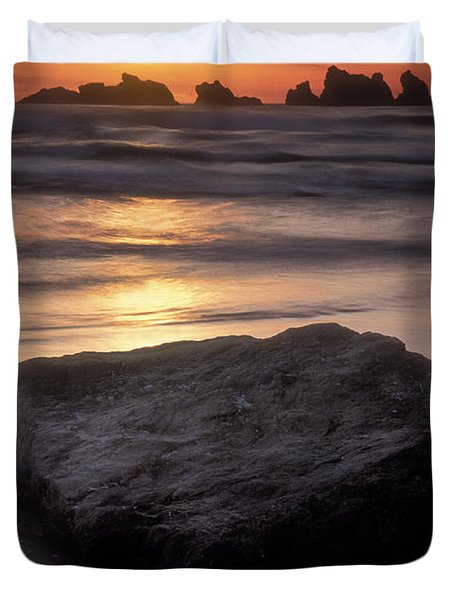 Oregon Sunset Duvet Cover by Dave Mills