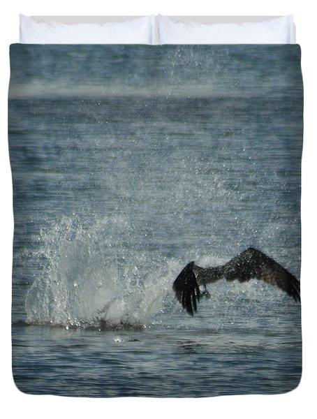 Osprey Fishing Duvet Cover by Ernie Echols