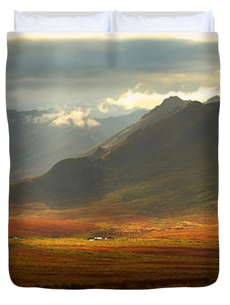 Panoramic Image Of The Cloudy Range Duvet Cover by Robert Postma