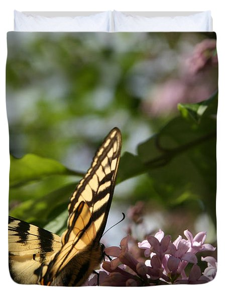 Papilio Glaucus   Eastern Tiger Swallowtail  Duvet Cover by Sharon Mau