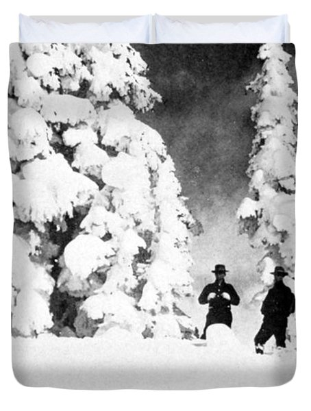 Paradise Inn, Mt. Ranier, 1917 Duvet Cover by Science Source