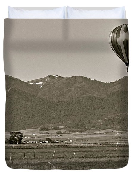 Duvet Cover featuring the photograph Pastoral Surprise by Eric Tressler
