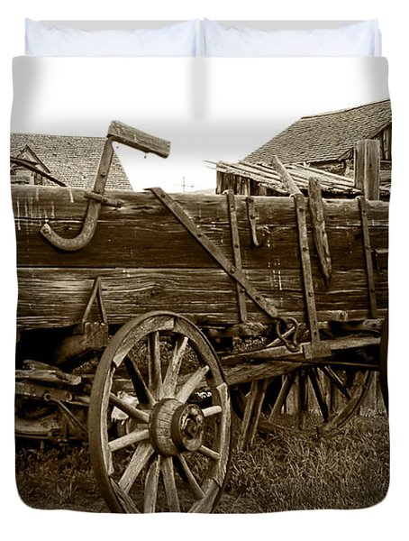Pioneer Freight Wagon - Nevada City Ghost Town Duvet Cover by Daniel Hagerman