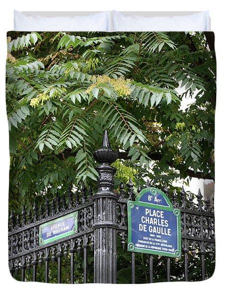 Place Charles De Gaulle And Avenue De Wagram Duvet Cover by Carol Groenen