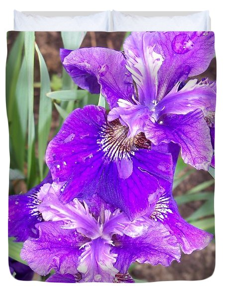 Purple Iris With Water Droplet Duvet Cover