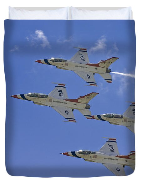 Rare Usaf Thunderbirds Diamond Pass Duvet Cover by Tim Mulina