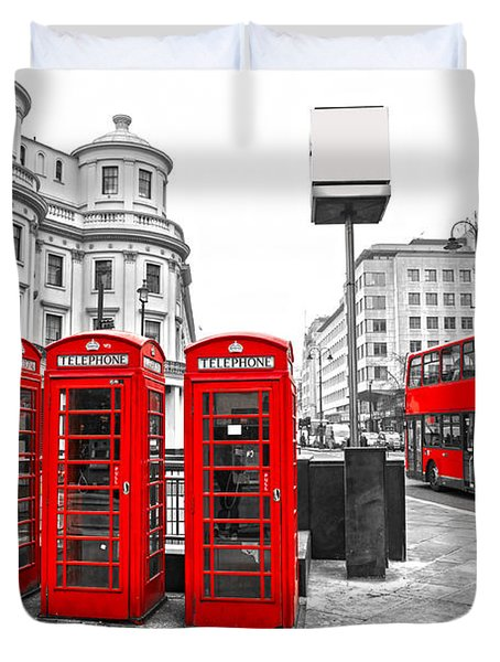 Duvet Cover featuring the photograph Red London by Luciano Mortula