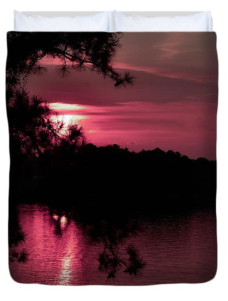 Red Sky At Night Duvet Cover by Shannon Harrington