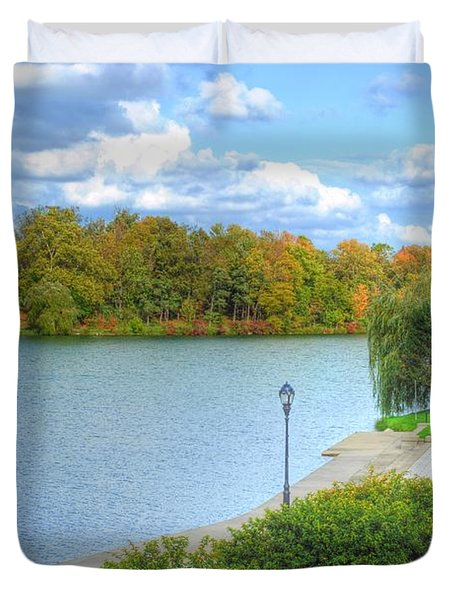 Duvet Cover featuring the photograph Relaxing At Hoyt Lake by Michael Frank Jr