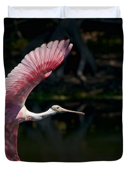 Duvet Cover featuring the photograph Roseate Spoonbill by Steven Sparks