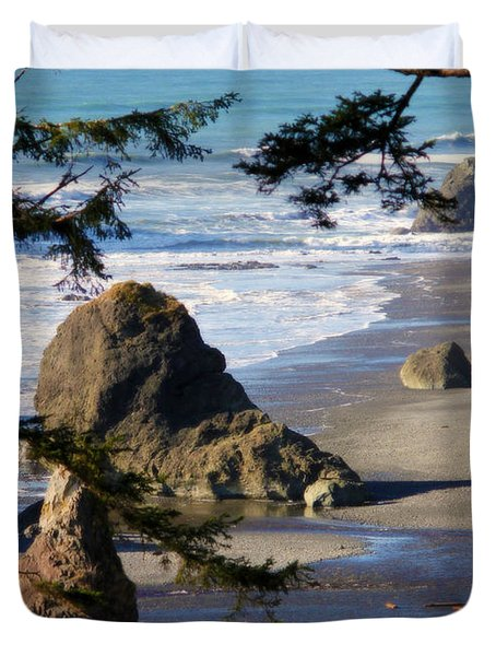 Duvet Cover featuring the photograph Ruby Beach Iv by Jeanette C Landstrom