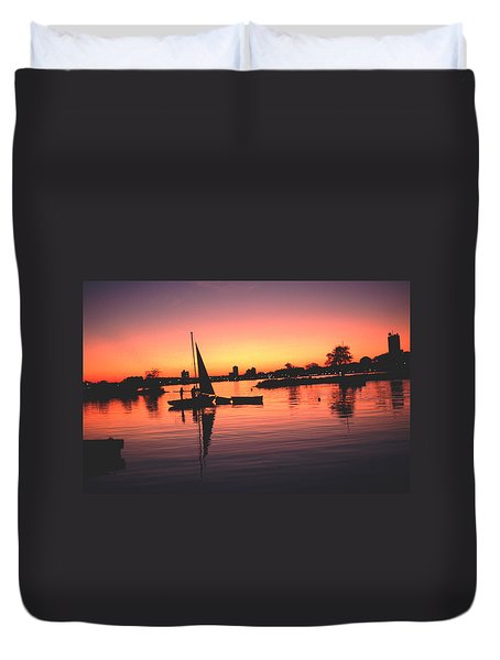Duvet Cover featuring the photograph Sailing End Of The Day Backbay  Boston by Tom Wurl