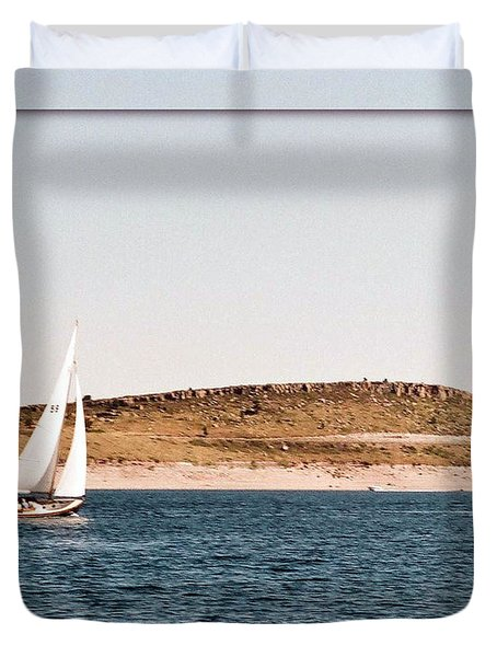 Duvet Cover featuring the photograph Sailing On Carter Lake by David Pantuso