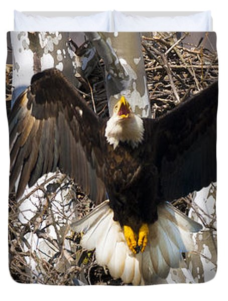 Duvet Cover featuring the photograph Screaming Eagle  by Randall Branham