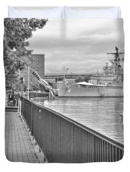 Duvet Cover featuring the photograph Seagull At The Naval And Military Park by Michael Frank Jr