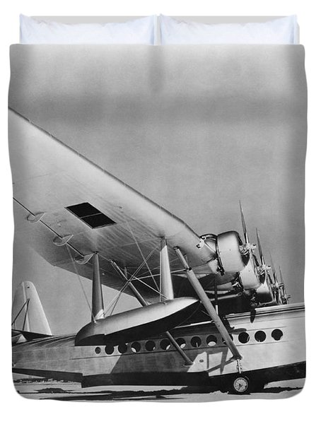 Sikorsky S-42 Duvet Cover by Photo Researchers