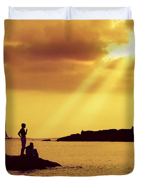 Silhouettes On The Beach Duvet Cover