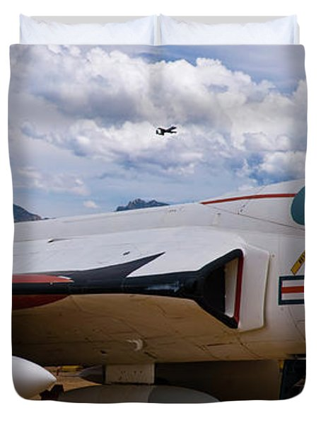 Skyray And Hawgs Duvet Cover by Tim Mulina