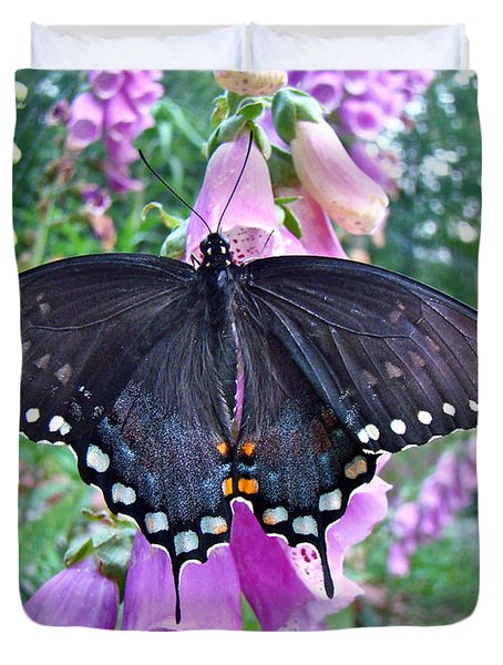 Spicebush Swallowtail Butterfly On Foxgloves - Papilio Troilus Duvet Cover by Mother Nature