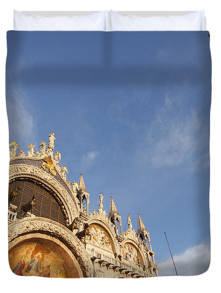 St. Markss Basilica And Campanile Off Duvet Cover by Trish Punch