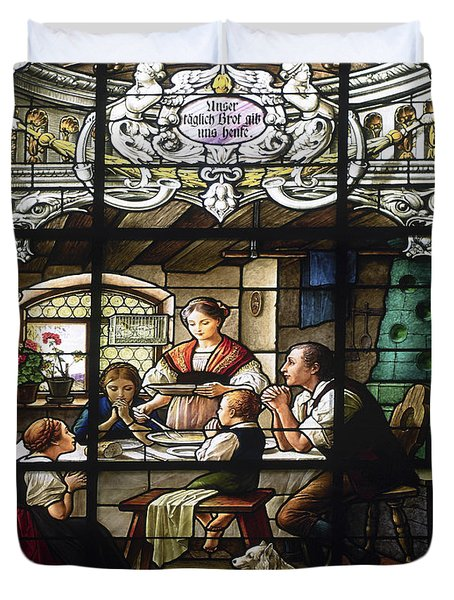 Stained Glass Family Giving Thanks Duvet Cover by Sally Weigand