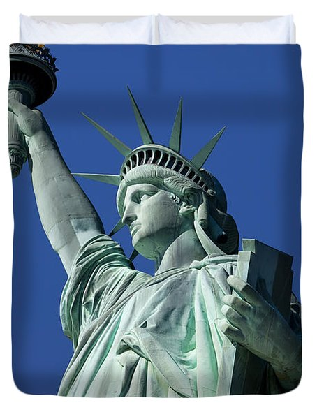 Statue Of Liberty Duvet Cover by Brian Jannsen