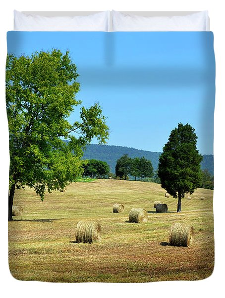 Duvet Cover featuring the photograph Summer Field by Paul Mashburn