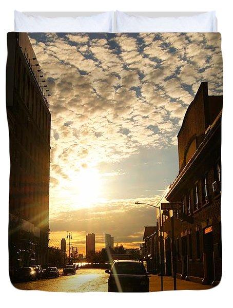Summer Sunset Over A Cobblestone Street - New York City Duvet Cover