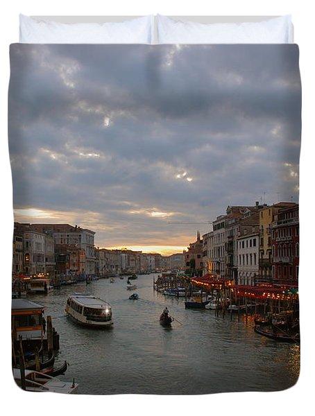 Sun Sets Over Venice Duvet Cover by Eric Tressler