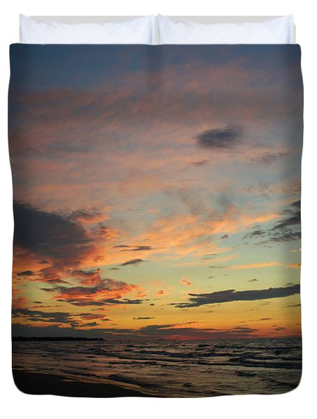 Duvet Cover featuring the photograph Sundown  by Barbara McMahon