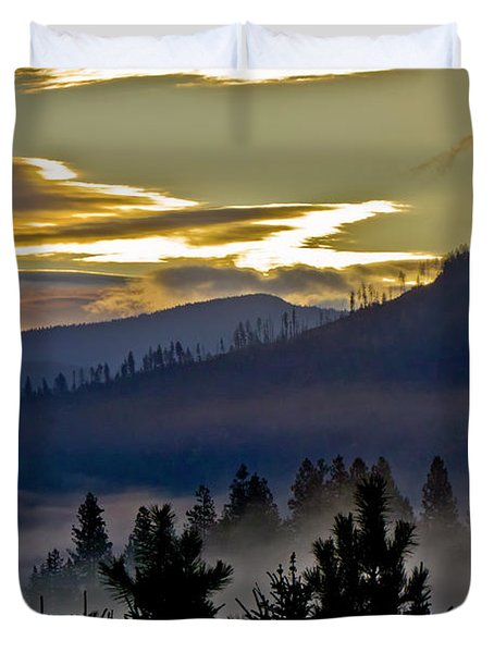Duvet Cover featuring the photograph Sunrise And Valley Fog by Albert Seger