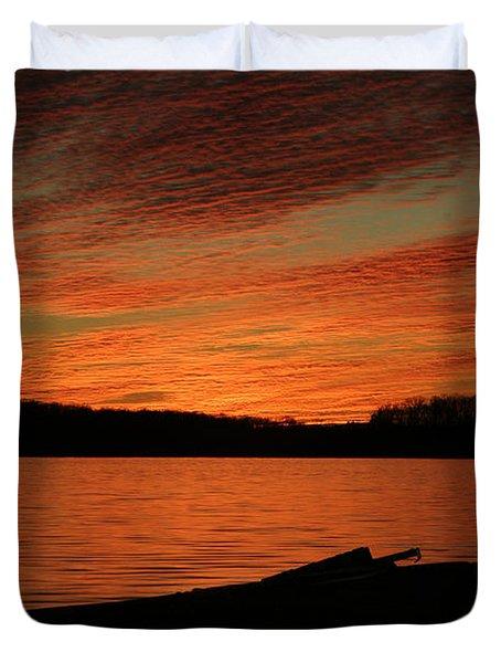Sunset And Kayak Duvet Cover