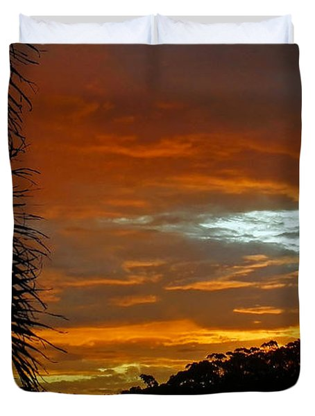 Sunset Behind The Palms Duvet Cover by Kaye Menner