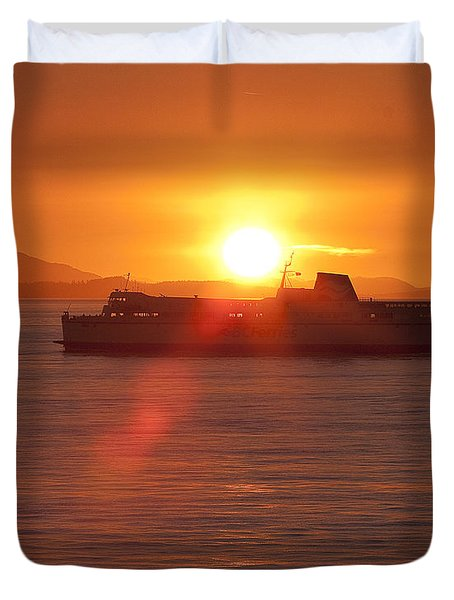 Duvet Cover featuring the photograph Sunset by Eunice Gibb