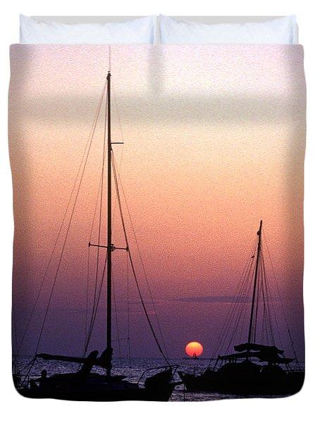 Duvet Cover featuring the photograph Sunset Off Simonton Street 14e by Gerry Gantt