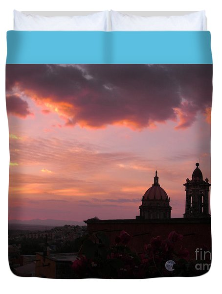 Duvet Cover featuring the photograph Sunset On The Roof Top Restaurant by John  Kolenberg