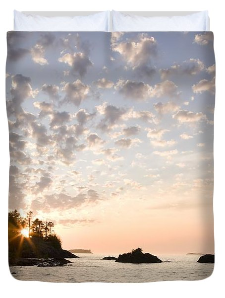 Sunset On The South Shores Of Lake Duvet Cover by Susan Dykstra
